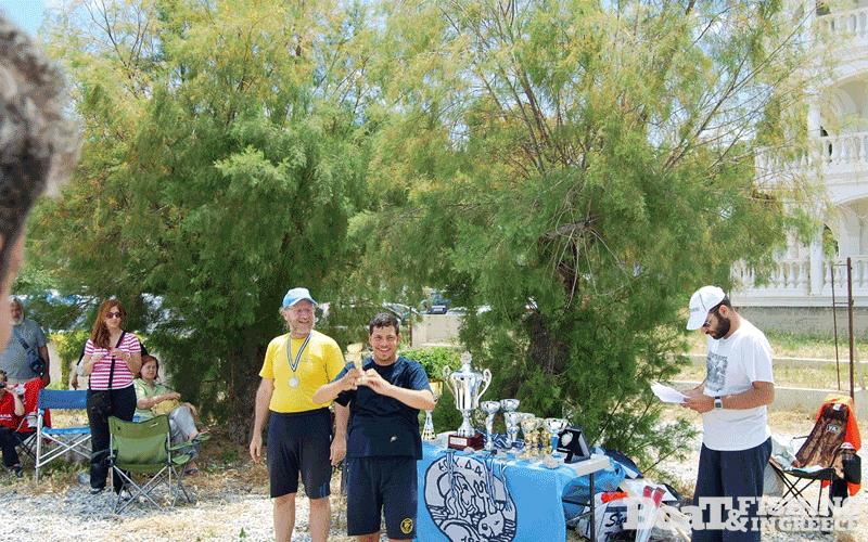 Στους αγώνες του Πανελλήνιου Πρωταθλήµατος Παράκτιας Αλιείας, είχαµε µια κατηγορία εκτός συµµετοχής, για αθλητές µε ειδικές ικανότητες.  Σε αυτήν την κατηγορία, βραβεύθηκε ο αθλητής του Τρίτωνα Σιάτρας Γιώργος.