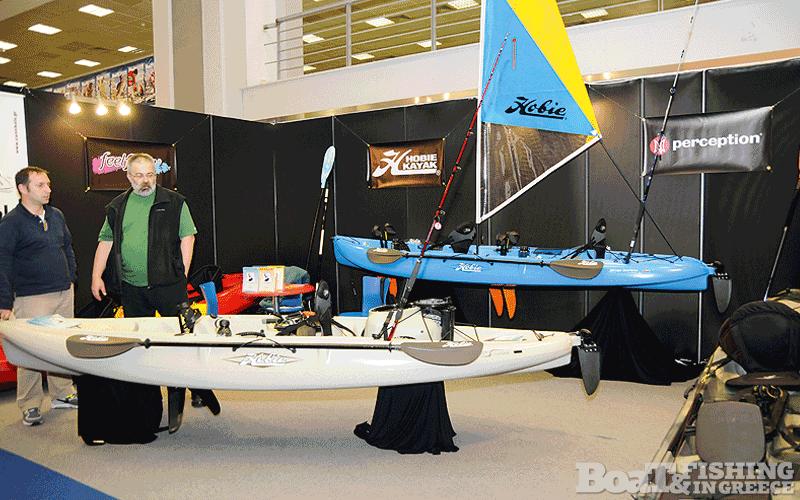 Η εταιρία Cannibals Kayak House εξειδικεύεται στα καγιάκ – κανό, και έδωσε ένα δυναµικό παρών παρουσιάζοντας συγκεκριµένα µοντέλα από τις εταιρίες Hobie και Ocean Kayak (φωτ. 7), ενώ ταυτόχρονα διοργάνωσε σεµινάριο για ψάρεµα µε καγιάκ.
