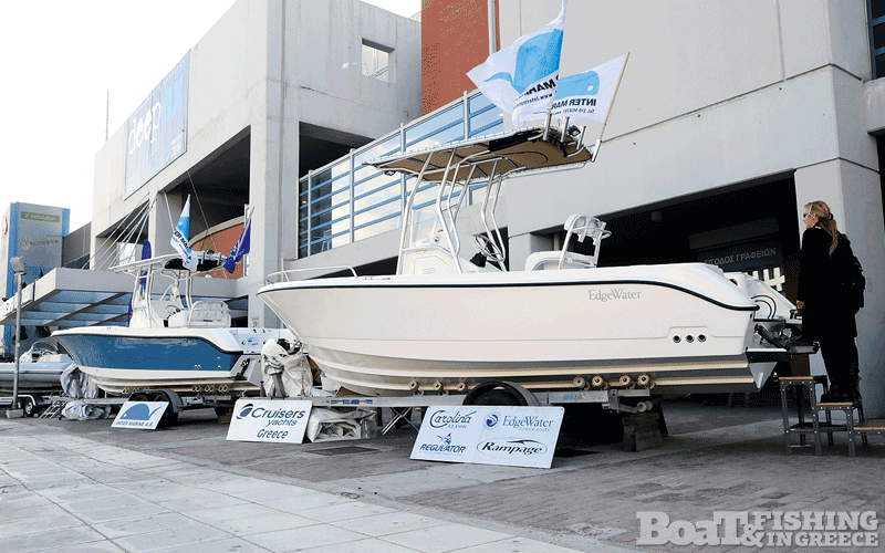 Η Intermarine παρουσίασε τα πασίγνωστα Αµερικάνικα EdgeWater 208 CC και 248 C (φωτ. 1)