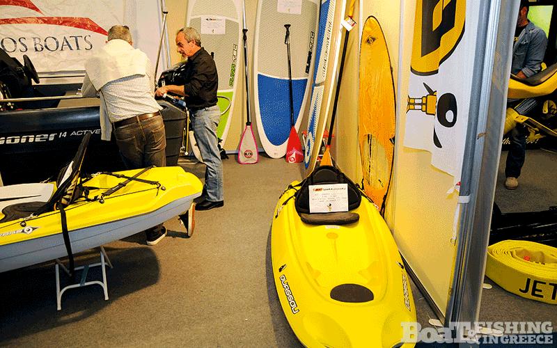Η εταιρεία Loukianos Boats (φωτ. 7) παρουσίασε τα νορβηγικά σκάφη πολυαιθυλενίου Pioneer και καγιάκ – SUP της Bic.