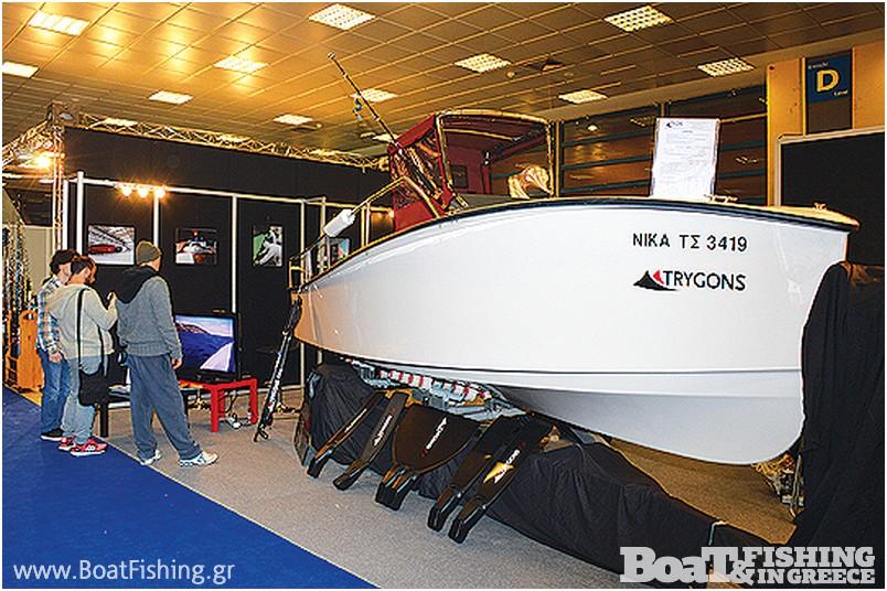 TRYGONS: Το ξεχωριστό σκάφος Ocean Runner 590 που έσπασε κάθε ρεκόρ οικονοµίας, καθώς και εξειδικευµένο εξοπλισµό για το ψαροτούφεκο