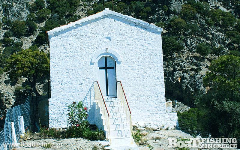 Το εκκλησάκι της Γκρεμιώτισσας