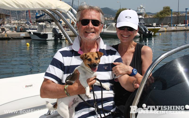 Ευχόµαστε καλές θάλασσες στον κ. Πάτρικ, την Μπάρµπαρα και τον µικρό Τζίψυ!